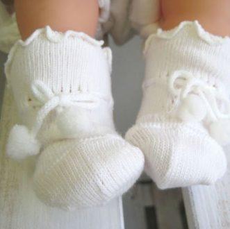 ずれない新生児靴下